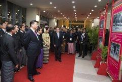习近平同缅甸领导人驻足观看的这组照片太有故事